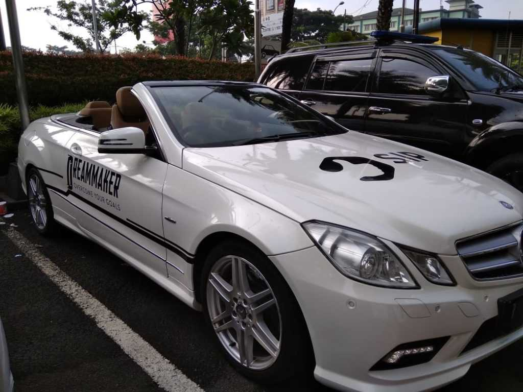 sewa mercedes benz, rental mercedes benz, sewa mobil mercedes benz e cabrio, rental mobil mewah, sewa wedding car