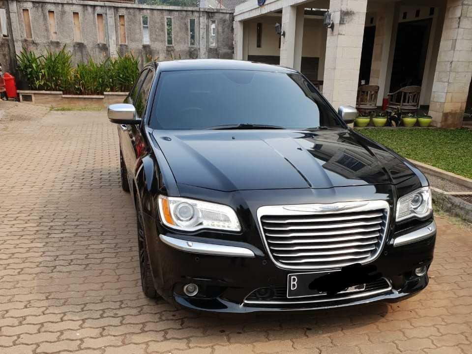 rental mobil chrysler, sewa chrysler, rental chrysler, wedding car, rental mobil pengantin, sewa mobil mewah